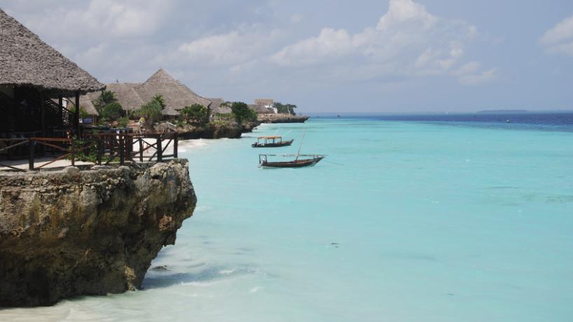 Déambuler dans des plages de sable blanc lors d'un voyage en Afrique