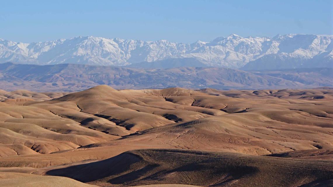Magnifique paysage du désert d'Agafay