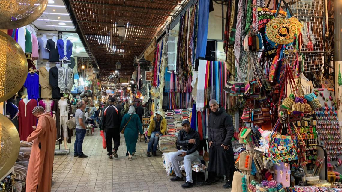 Au coeur des souks de Marrakech, guide de survie